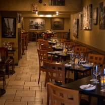 photo of formaggio wine bar - honolulu restaurant