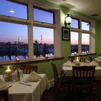 photo of tres palms coastal dining restaurant