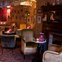 foto von vintage cocktail club restaurant