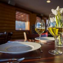 photo of everett's restaurant