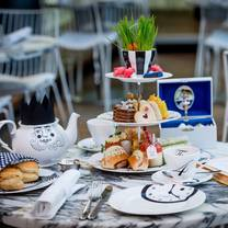 photo of mad hatters tea at sanderson london restaurant