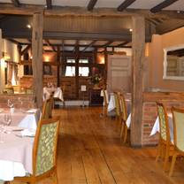 photo of the chequers inn restaurant