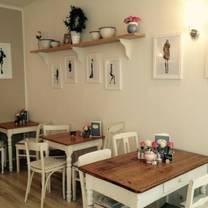 photo of glück und selig restaurant