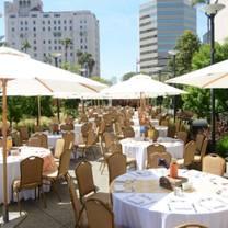 photo of promenade café at renaissance hotel, long beach restaurant