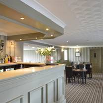 photo of the hollybush inn - bar and restaurant restaurant