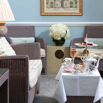 photo of the drawing room at dukes london (afternoon tea) restaurant