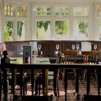 photo of the oaks restaurant