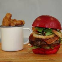 photo of burger and bubbles restaurant