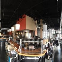 foto von 2 west bar & grille restaurant