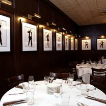 photo of harry caray's italian steakhouse - lombard restaurant