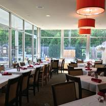 photo of reflect bistro inside cambria suites restaurant