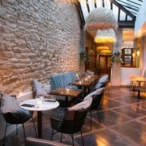 photo of le café des bains restaurant