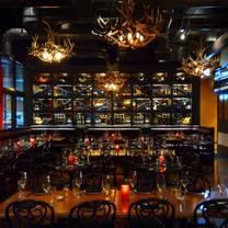 foto von the breslin bar & grill restaurant