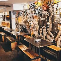 foto von la carnita- college restaurant