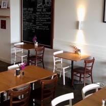 foto von iron henry restaurant