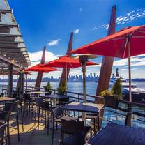 photo of pier 7 restaurant + bar - 'shipyard square' north vancouver restaurant