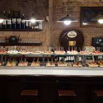 foto de restaurante txirimiri