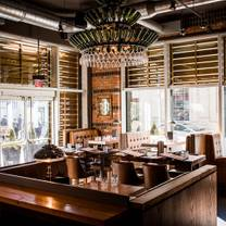 photo of reds midtown tavern restaurant