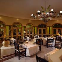 foto de restaurante emiliano at casa velas