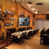 photo of idylwood grill restaurant