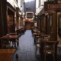 photo of elliott stables restaurant
