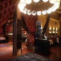 foto von cafe claude restaurant