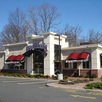 photo of houlihan's - paramus restaurant
