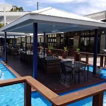 photo of the boathouse tavern restaurant
