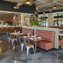 photo of 800 degrees woodfired kitchen - aventura restaurant