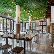 photo of the hampton social - streeterville restaurant