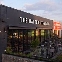 foto von the hatter and the hare restaurant