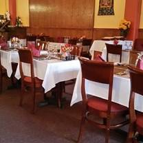 photo of everest indian restaurant - santa rosa restaurant