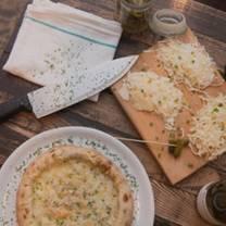 foto von f + f pizza- beaubien restaurant