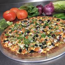 photo of chicago's pizza with a twist - natomas restaurant