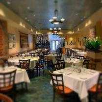 photo of umberto's of new hyde park - original restaurant