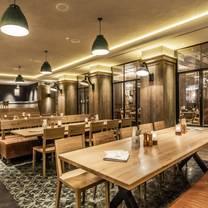 foto van carls brauhaus restaurant