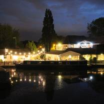 photo of the watersedge, canal cottages restaurant