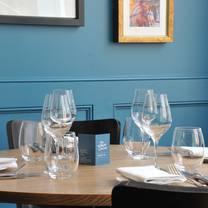 photo of the white onion restaurant