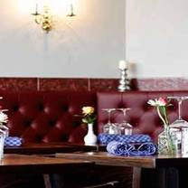 photo of pure white food restaurant