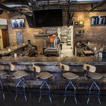 photo of breakneck tavern restaurant