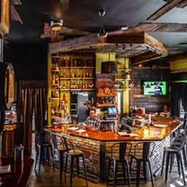 photo of 913 whiskey bar & southern kitchen restaurant