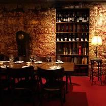 foto von the moat restaurant