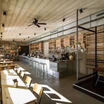foto von st. james bar & deli restaurant