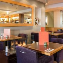 foto von roses restaurant