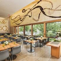 photo of garden restaurant at the barnes foundation restaurant