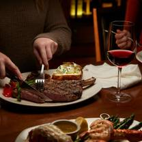 foto von the keg steakhouse + bar - fallsview - embassy suites hotel restaurant