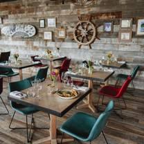 photo of devil's table at creekside villa restaurant