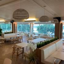 photo of alex supporters club restaurant