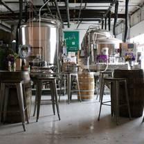foto von four quarters brewing restaurant