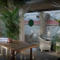 foto de restaurante tropicale